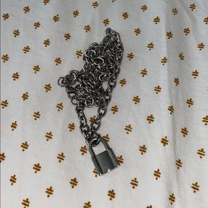 NWOT lock and chain neclace